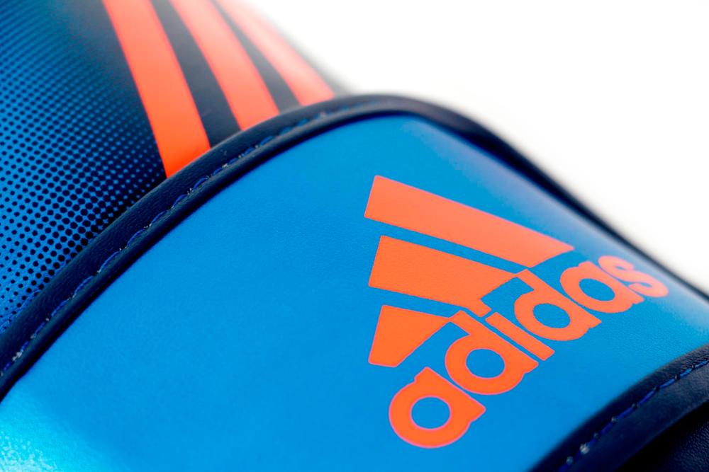 acheter adidas speed 200 gants de kick boxe 12 oz. Black Bedroom Furniture Sets. Home Design Ideas